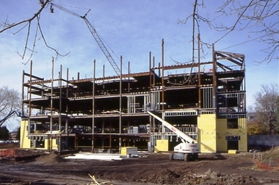 Construction of outer walls, view from the front.