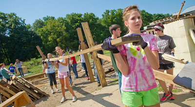 New students paticipated in Day of Community Service, as part of freshman orientation.