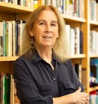 Professor of English Volunteers as Translator by University Communications